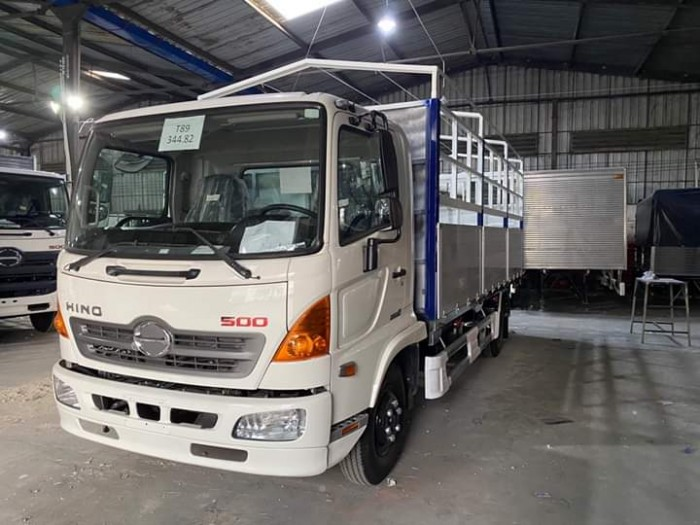 Xe tải HINO FC 6.5T thùng dài 6m70
