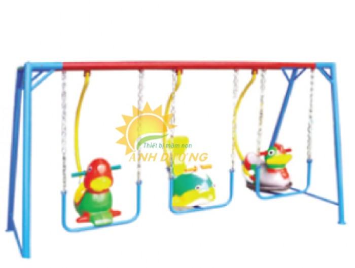 Chuyên sản xuất xích đu trẻ em cho trường mầm non, công viên, khu vui chơi2