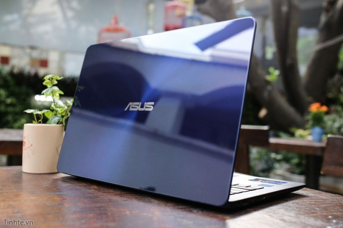Laptop Asus Zenbook UX430UA/ i5 7200U/ 8G/ SSD256G/ Full HD/ Viền Mỏng/ Win 12