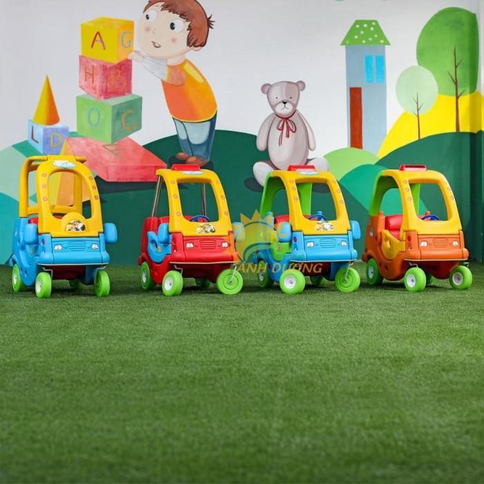 Chuyên cung cấp xe chòi chân ôtô cho trường mầm non, khu vui chơi, TTTM8