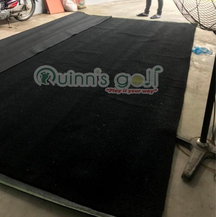 Cỏ nhân tạo màu đen dùng cho phòng gym, phòng golf2