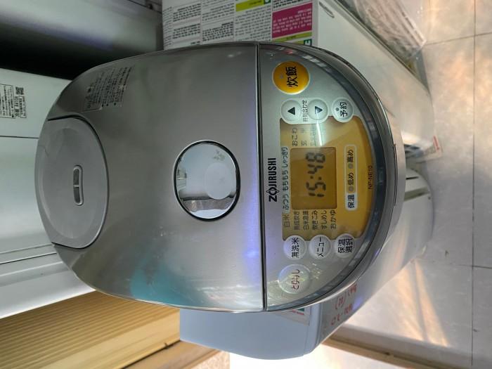 Nồi cơm điện zojirushi 1L np-ne10 có áp suất0