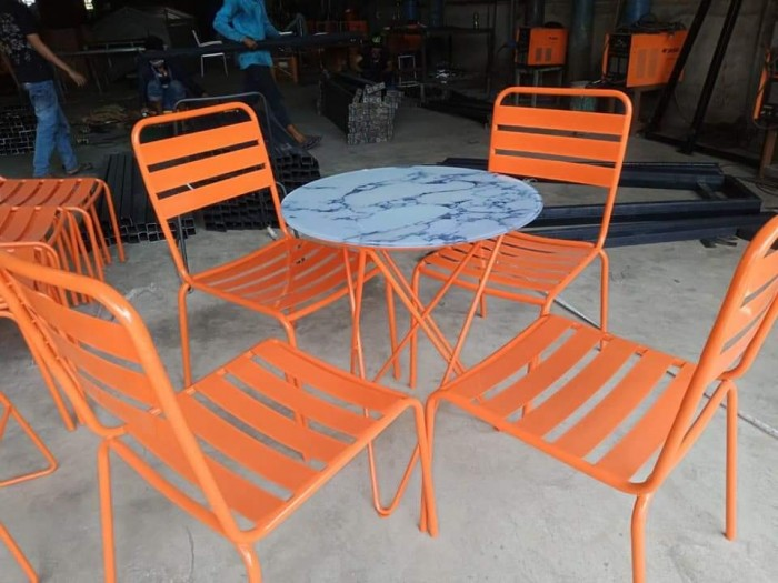 Bộ bàn ghế cafe sắt sơn tĩnh điện giá tại xưỡng0