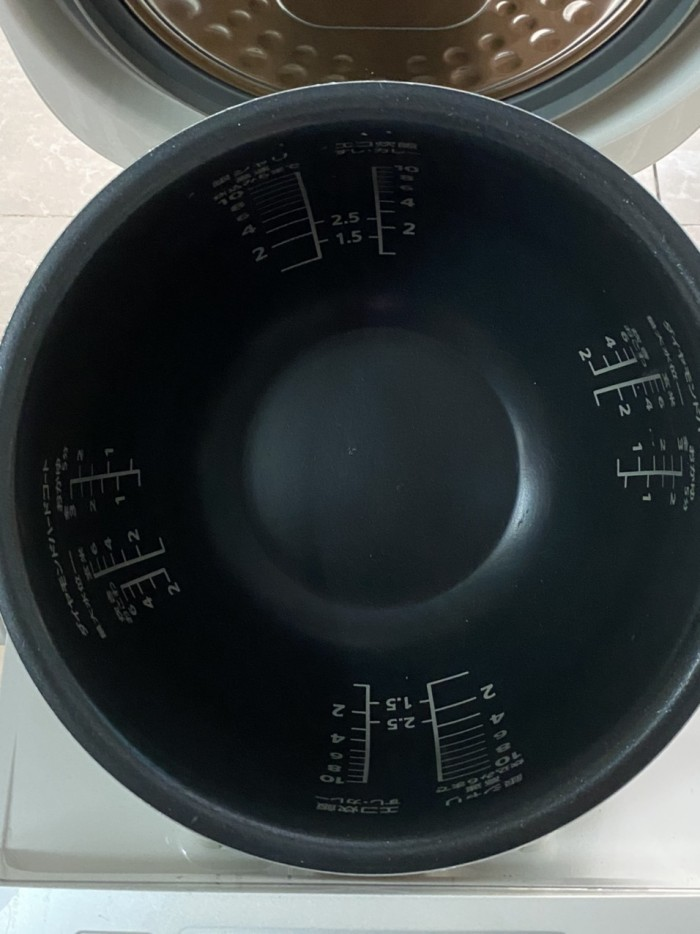 Nồi cơm điện cao tần IH-PANASONIC 1.8L màu trắng tinh khôi5
