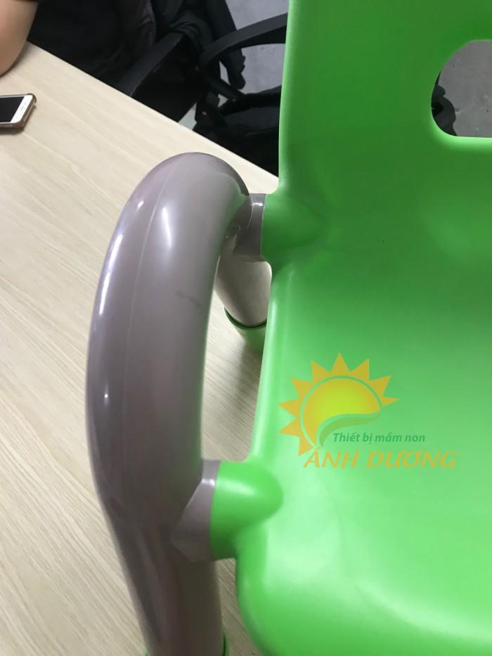 Cần bán ghế nhựa đúc tay vịn dành cho trẻ nhỏ mầm non giá rẻ, chất lượng cao2