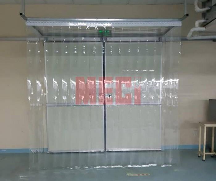 Cuộn nhựa pvc trắng trong trơn mịn 1.5mm x 200mm1