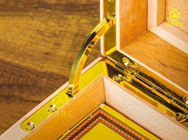 Hộp bảo quản cigar 100 điếu cao cấp chính hãng Lubinski YJA600141