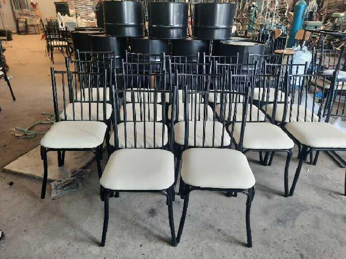 Ghế sắt cafe bọc nệm giá rẻ