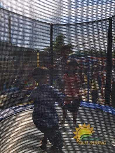 Cần bán sàn nhún nhảy vận động dành cho trẻ em mầm non giá TỐT2