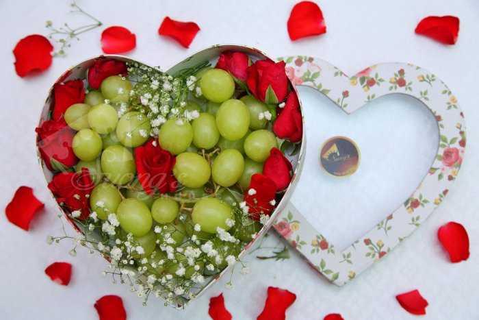 Quà tặng sinh nhật, 20/10 hộp quà trái cây nhập khẩu dâu tây nho Mỹ ỹ3