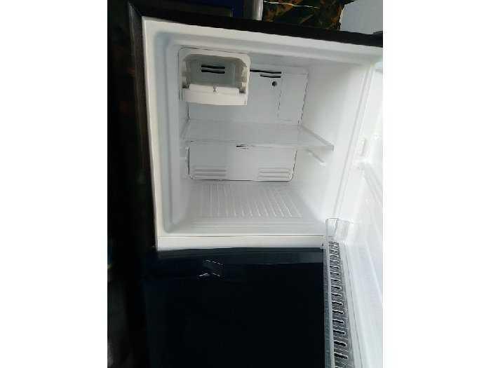 Tủ lạnh TOSHIBA 233l0
