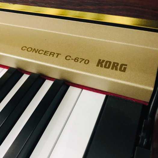 Piano điện KORG-C6704
