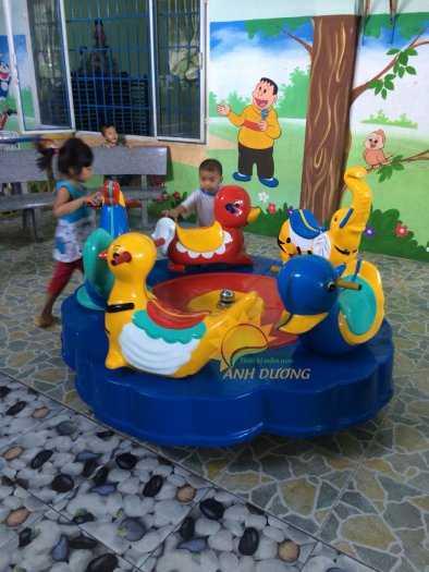 Chuyên sản xuất và cung cấp mâm xoay cho trường mầm non, khu vui chơi, công viên2