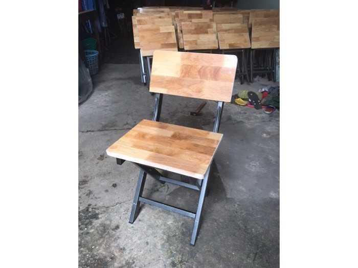 Ghế sắt mặt gỗ dùng cho quán nhậu giá tốt0