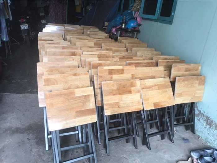 Ghế sắt mặt gỗ dùng cho quán nhậu giá tốt1
