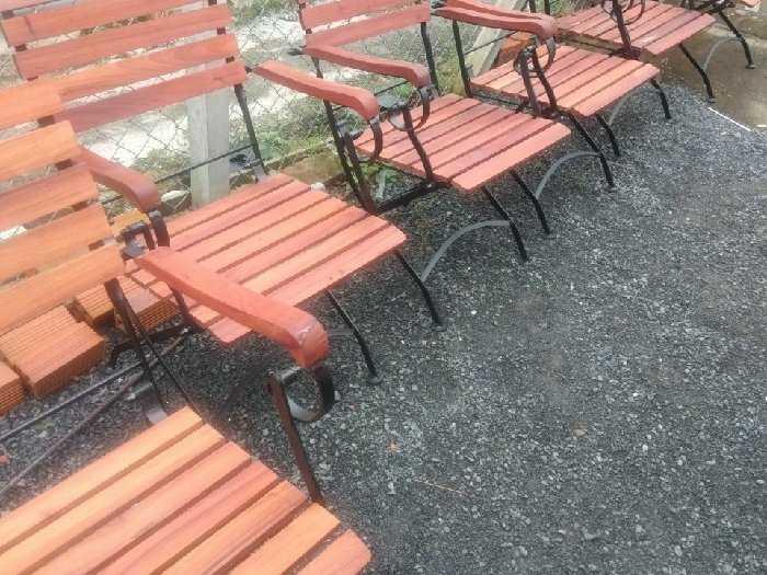 Ghế sắc công viên mặt gổ dầu giá tại xưở1