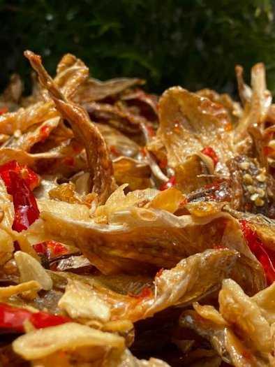 Gói 500gr Cá đù cháy bơ tỏi ớt cay thơm ngon - Food by Mama3