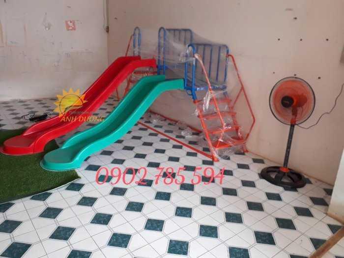 Bàn ghế - Cầu trượt - Nhà banh cho bé rẻ đẹp9