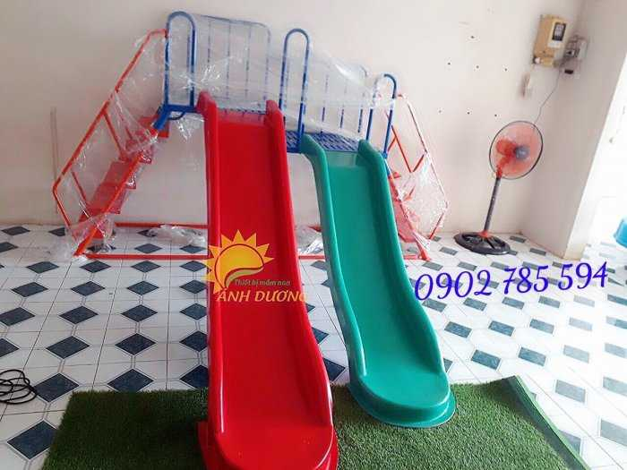 Bàn ghế - Cầu trượt - Nhà banh cho bé rẻ đẹp8