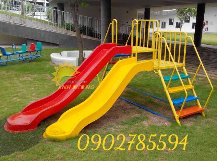 Bàn ghế - Cầu trượt - Nhà banh cho bé rẻ đẹp0
