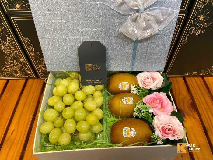 Hộp hoa quả tình yêu mix nho kiwi hoa hồng - FSNK1920