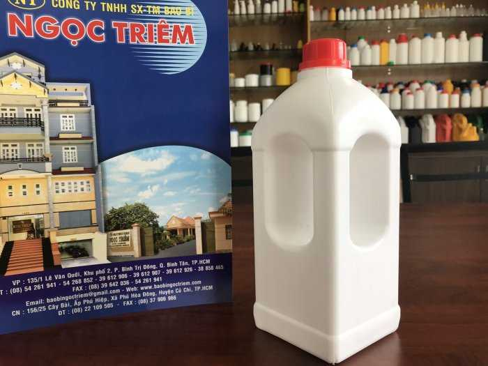 Bình Nhựa 1 Lít Vuông Quai (B-018) - Bao Bì Ngọc Triêm1