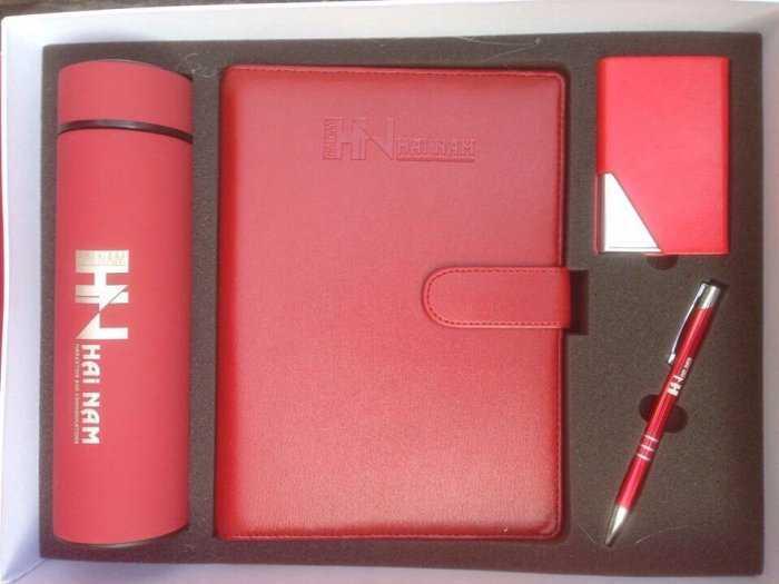 Sổ da,bút, usb, bình giữ nhiệt, sạc dự phòng in logo theo yêu cầu2