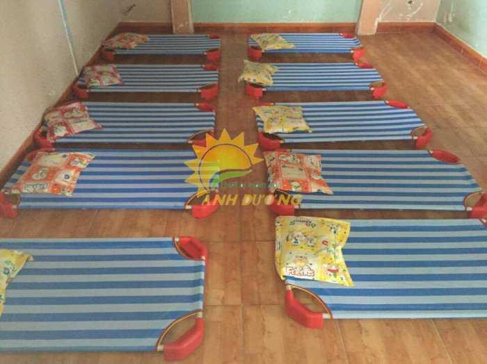 Cung cấp sỉ - lẻ giường lưới mầm non cho bé ngủ trưa8