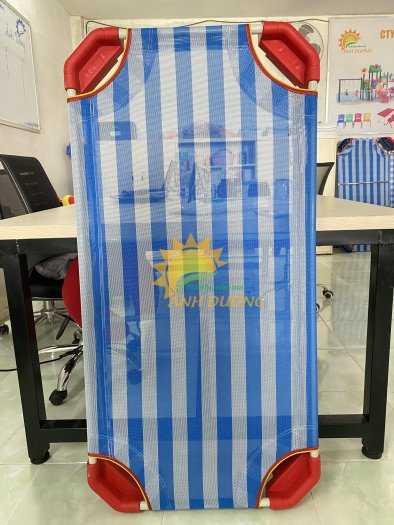 Chuyên bán giường lưới mầm non cho các bé ngủ ngon giá TỐT9