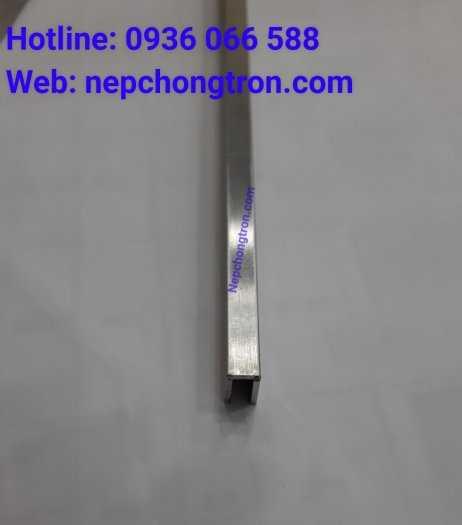 Nẹp U5mm Inox 304, nẹp trang trí U inox 304, dùng đi chỉ tường, nối khe hở, tạo điểm nhấn2