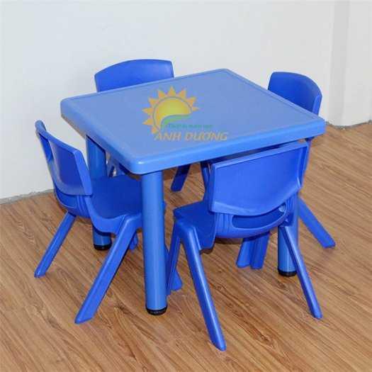 Chuyên cung cấp bàn nhựa hình vuông nhập khẩu cho trường lớp mầm non, gia đình3