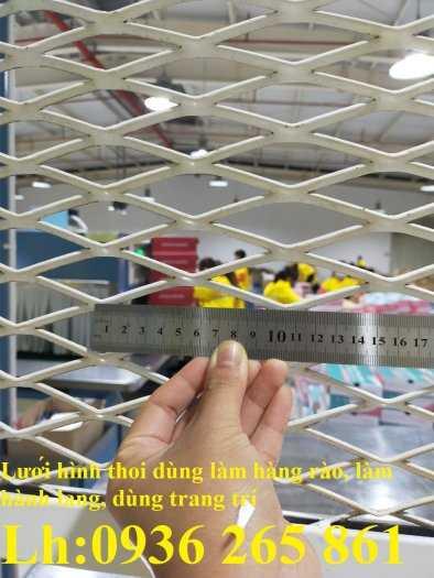 Lưới thép dập giãn làm cầu thang, lan can, hành lang, sàn thao tác giá rẻ3