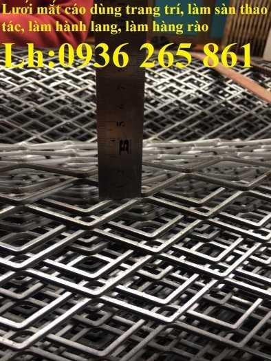 Lưới thép dập giãn làm cầu thang, lan can, hành lang, sàn thao tác giá rẻ7