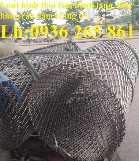 Lưới thép dập giãn làm cầu thang, lan can, hành lang, sàn thao tác giá rẻ5
