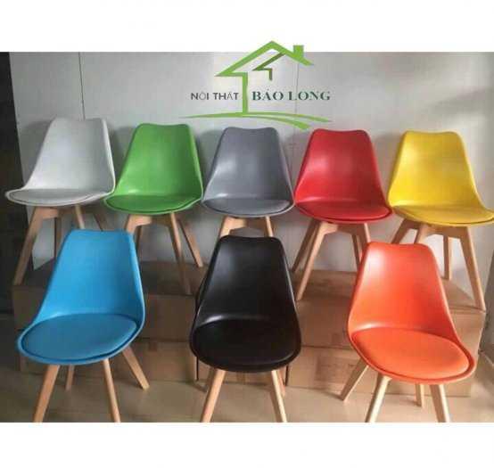 Ghế nhựa Eames nệm giá rẻ1