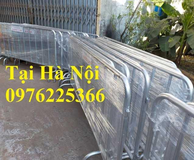 Sản xuất hàng rào ngăn cách ,hàng rào di động, rào chắn di động2