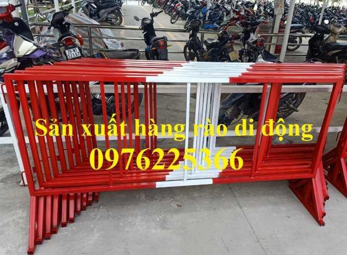 Sản xuất hàng rào ngăn cách ,hàng rào di động, rào chắn di động1