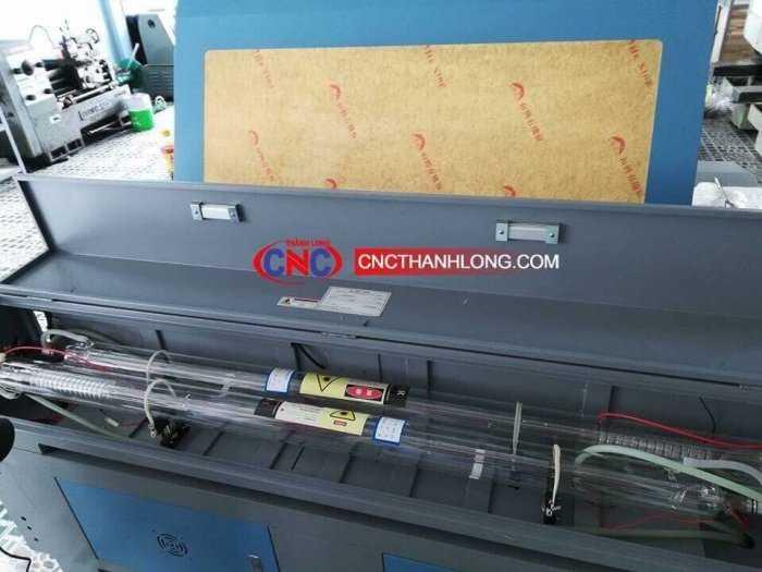 Máy laser 1610-2 đầu chuyên cắt khắc phi kim giá rẻ1
