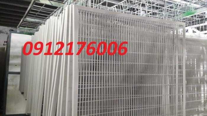 Hàng rào lưới thép hàn D5 a 50x150, 50x200 mạ kẽm sơn tĩnh điện.3