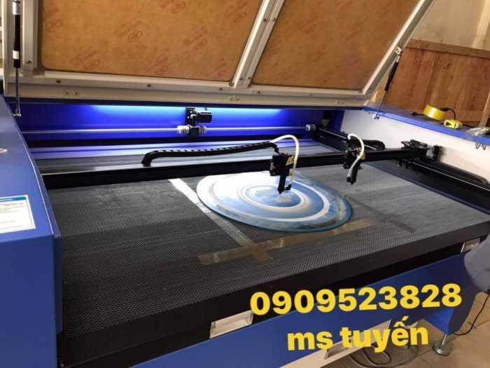 Máy laser 1610-2 đâu chuyên cắt khắc vải , mica , alu , gỗ ,....2