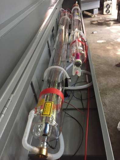 Máy laser 1610-2 đâu chuyên cắt khắc vải , mica , alu , gỗ ,....0