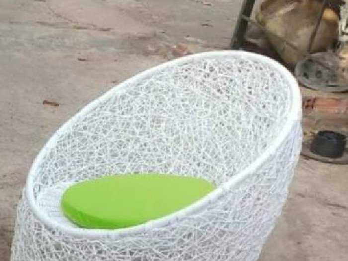Ghế trứng đan gối có nhiều màu sắc giá s