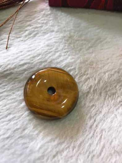 Mặt Dây Chuyềnn Đồng Tiền Điếu đá mắt hổ vàng nâu tự nhiên size 30mm x dầy 8mm hợp Anh Chị mệnh Kim Thổ Thủy có 399k0