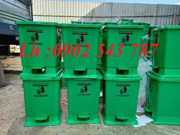 Thùng rác đạp chân y tế 15 lít ,thùng rác 20 lít y tế1