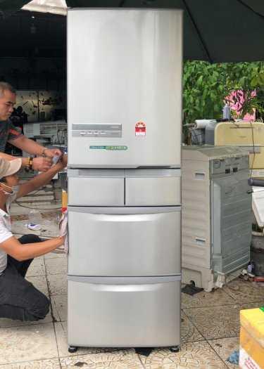 Tủ lạnh nội địa Hitachi R-S42BML 415 L đời 2012 ,công nghệ mới  #S42BMTtủ lạnh 5 cánh vừa đẹp trong lẫn ngoài mà còn tiết kiệm điện. Tủ còn mới >90% mặt trước không trầy xước, tiết kiệm điện 210kwh/năm 1 ngày chưa đến 1 số điện nha  Ngoài ra, khi mở cửa t12