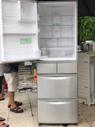 Tủ lạnh nội địa Hitachi R-S42BML 415 L đời 2012 ,công nghệ mới  #S42BMTtủ lạnh 5 cánh vừa đẹp trong lẫn ngoài mà còn tiết kiệm điện. Tủ còn mới >90% mặt trước không trầy xước, tiết kiệm điện 210kwh/năm 1 ngày chưa đến 1 số điện nha  Ngoài ra, khi mở cửa t8