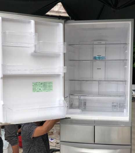 Tủ lạnh nội địa Hitachi R-S42BML 415 L đời 2012 ,công nghệ mới  #S42BMTtủ lạnh 5 cánh vừa đẹp trong lẫn ngoài mà còn tiết kiệm điện. Tủ còn mới >90% mặt trước không trầy xước, tiết kiệm điện 210kwh/năm 1 ngày chưa đến 1 số điện nha  Ngoài ra, khi mở cửa t7