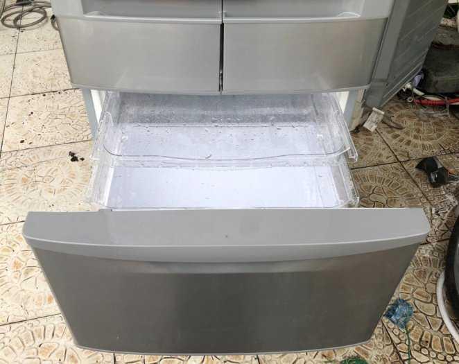 Tủ lạnh nội địa Hitachi R-S42BML 415 L đời 2012 ,công nghệ mới  #S42BMTtủ lạnh 5 cánh vừa đẹp trong lẫn ngoài mà còn tiết kiệm điện. Tủ còn mới >90% mặt trước không trầy xước, tiết kiệm điện 210kwh/năm 1 ngày chưa đến 1 số điện nha  Ngoài ra, khi mở cửa t4