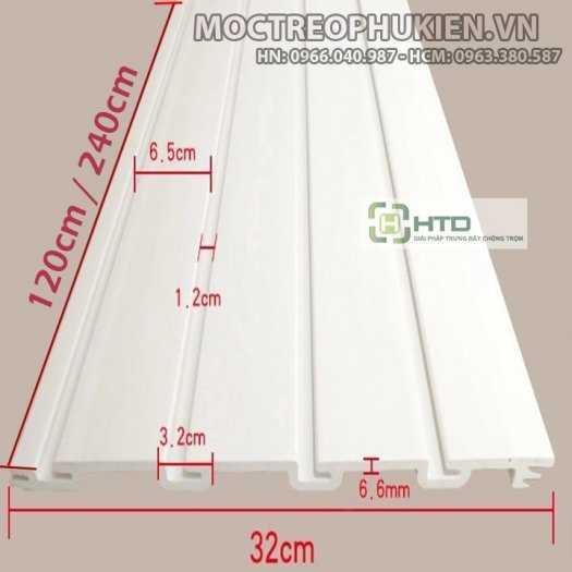 Tấm rãnh nhựa PVC cài móc treo, tấm slatwall PVC5
