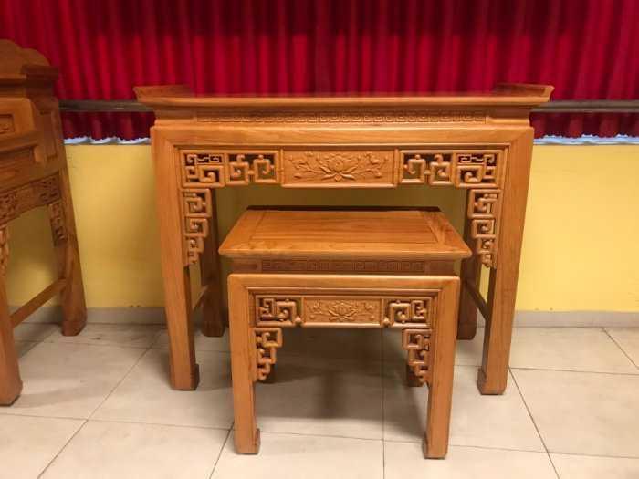 Bộ cặp bàn thờ và bàn cúng gõ đỏ triện hoa sen 1,53m SD10215